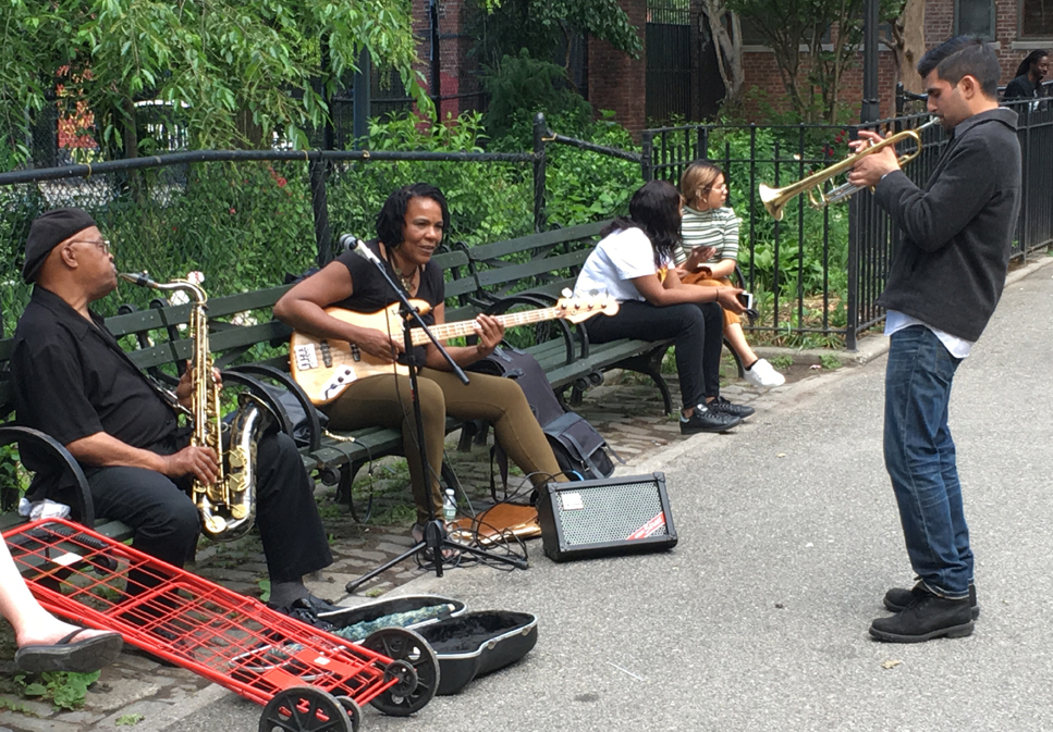 Μουσικοί δρόμου στο Tompkins Square Park