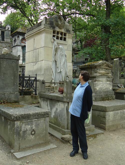 Στο νεκροταφείο Περ Λασαίζ